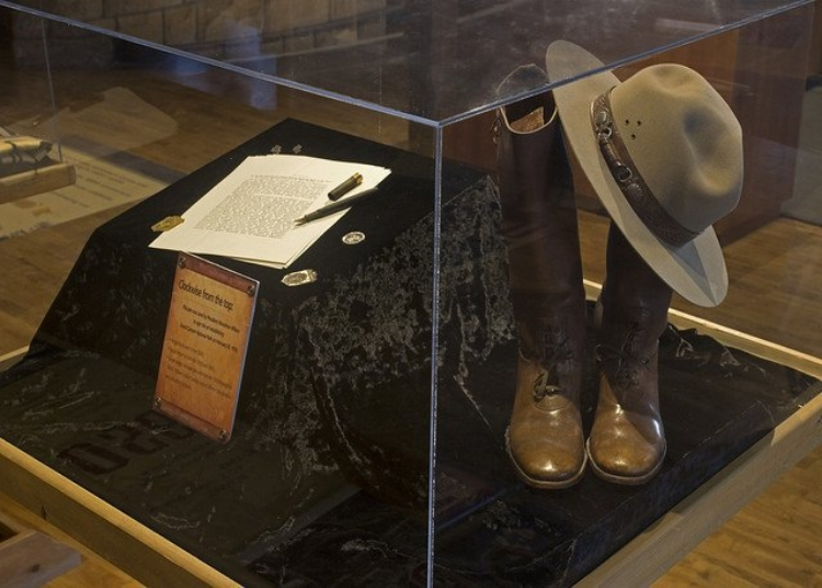 Tips for Visiting Grand Canyon South Rim: exhibit in a Grand Canyon NP museum